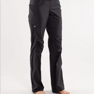 Lululemon Travel to Track Pants 6 Black with Gray